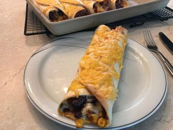 Mexikanische Chili con carne Tortilla Wraps Burritos im großen Ofenzauberer vom Pampered Chef Onlineshop