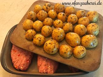Griechischer Hackbraten mit Knoblauchkartoffeln im Grundset Zauberstein und Ofenhexe von Pampered Chef aus dem Onlineshop