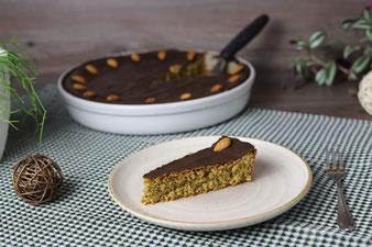 Nusskuchen oder Haselnusskuchen oder Mandelkuchen ohne Mehl glutenfrei in der runden Ofenhexe von Pampered Chef