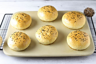 Burger Buns oder Brötchen auf dem Zauberstein von Pampered Chef aus dem Onlineshop