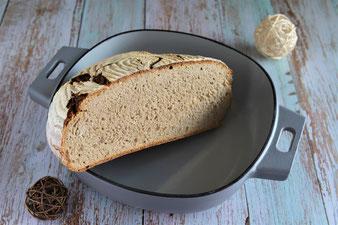 Brot backen in der emaillierten gusseisernen Pfanne, Sauerteigbrot Pampered Chef
