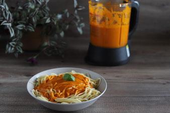 Tomatensoße im Deluxe Blender von Pampered Chef