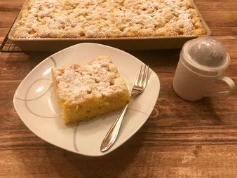 Pfirsich Streusel Kuchen im großen Ofenzauberer aus dem Pampered Chef Onlineshop bestellen