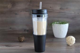 Smoothie und Eiskaffee im Deluxe Blender Becher von Pampered Chef