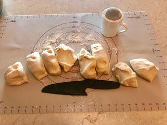 Dinkelbrötchen Semmeln mit Buttermilch in der Ofenhexe und Zauberstein Grundset vom Pampered Chef Onlineshop bestellen