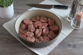 Überbackene Schweinefilets aus der Stoneware rund mit Käse gerieben von der Microplane Reibe online bestellen