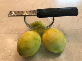 Mediterraner Zitronen Grießkuchen Revani Tatlisi aus der Stoneware rund von Pampered Chef