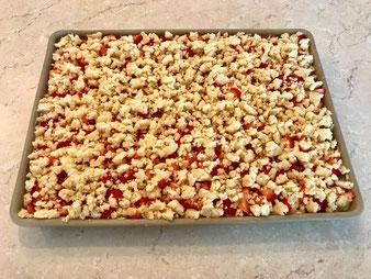 Erdbeer Streusel Kuchen mit  kleiner Streicher und großer Ofenzauberer James im Pampered Chef Onlineshop bestellen