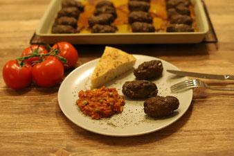 Cevapcici mit Djuvec  Reis im Thermomix und Ofenzauberer James online im Pampered Chef Onlineshop bestellen