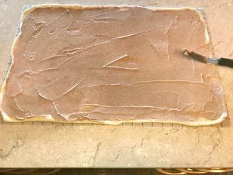 Hefezopf mit Quark Zimt Füllung aus der Stoneware rund im Pampered Chef Onlineshop bestellen