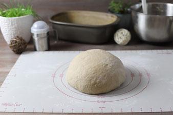 Dunkles Brot aus dem Ofenmeister oder Zaubermeister von Pampered Chef