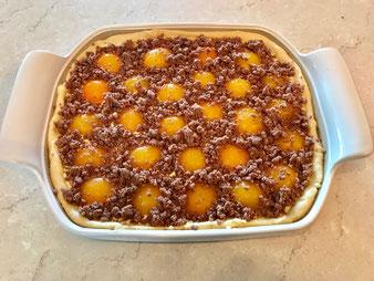 Aprikosenkuchen Streuselkuchen Hefekuchen auf dem Bäker oder Ofenzauberer von Pampered Chef online mit dem Teigroller im Onlineshop kaufen
