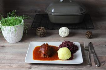 Rouladen in Tomaten Malzbiersoße aus Zaubermeister oder Ofenmeister von Pampered Chef