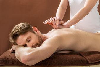 Wellness-Massage klassische Massage Wohlfühl-Massage Aroma-Massage Aromaöl-Massage Entspannungs-Massage