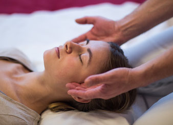 Shiatsu-Behandlung, Shiatsu-Massage, Shiatsu, japanische Massage, Meridian-Massage, Akupunkt-Massage, Akupressur-Massage