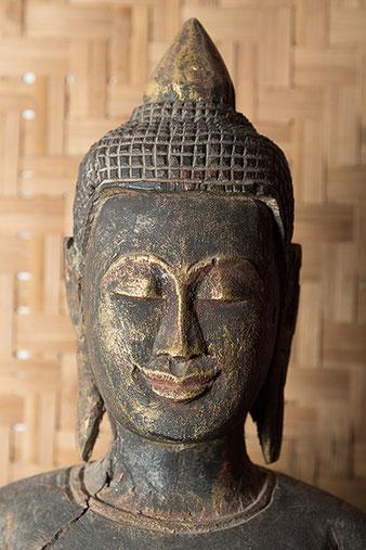 Nahaufnahme Buddhakopf mit Aurora Litebank Speedbounce 40, Foto: bonnescape