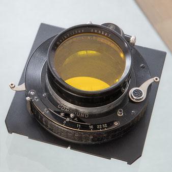 Großformatfotografie: Heliar 4.5/21cm mit Compound-Verschluss und Aufsteck-Gelbfilter. Foto: bonnescape.de