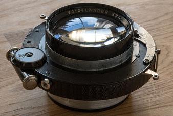 Großformatfotografie: Nachkriegs-Heliar 4.5 / 21 cm im Compound-Verschluss. Foto: bonnescape