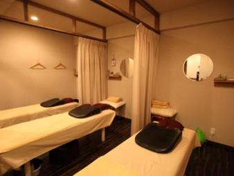 白楽店 ブラウンを基調としたモダンな空間 全3室