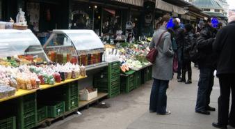 Auf dem Naschmarkt