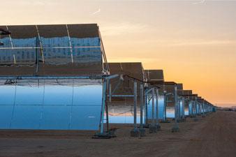 Abengoa: Parabolrinnen-Kraftwerk (Solarthermie)