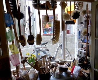 hier das Pinsel- & Bürsten- Schaufenster in Naumburg/Saale