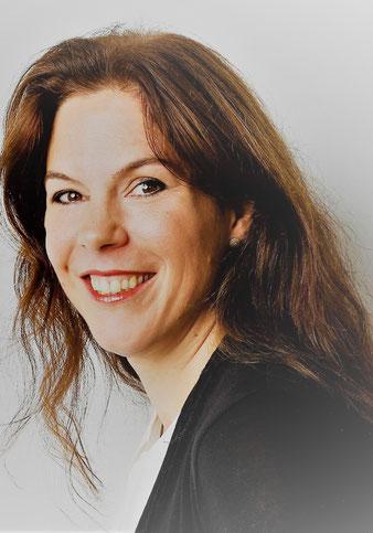 Dr. Anja Ostendorp Entwicklerin und Leiterin des Sanduhrmodells zur Entwicklung von Führungskräften, Talenten und Charakterköpfen www.sanduhrmodell.com