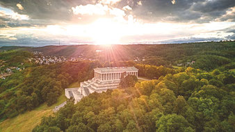 Die Walhalla bei Donaustauf ist eines der bedeutendsten klassizistischen Bauten Deutschlands.