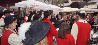 Organisator Jörg Augenstein freut sich über ein gut besuchtes Frühlingsfest und dankt der LG für ihre musikalische Unterstützung