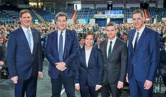 Johann Bögl, Gesellschafter der Firmengruppe Bögl, Ministerpräsident Dr. Markus Söder, Gesamtbetriebsratsvorsitzende Karin Hammerl-Ranftl, Max und Stefan Bögl, Gesellschafter der Firmengruppe Max Bögl