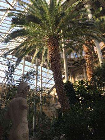 """Atrium des Kunstmuseums """"Ny Carlsberg Glypotek"""" in Kopenhagen"""