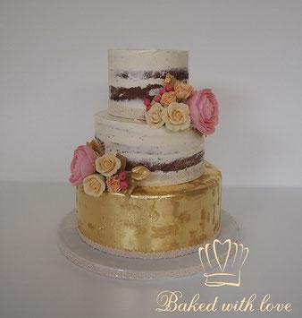 romantische bruidstaart of naked cake uit Hilvarenbeek bestellen