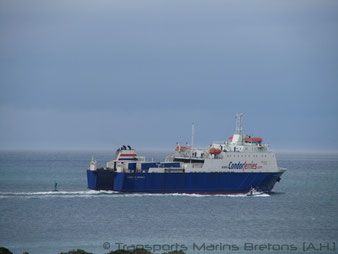 Le M/V Commodore Goodwill quittant Saint-Malo en direction de Jersey, puis Guernesey.