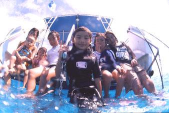 石垣島の海でのんびり家族で海水浴も、、