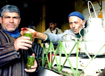 herrlich schmeckte der marokkanische Minz-Tee