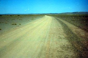 die Piste von Erfoud hinüber ins grüne Tinghir - 165 km Etappe