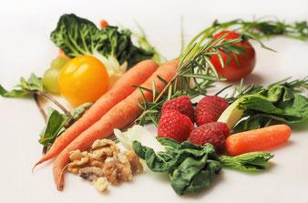 Beeren, Nüsse und Gemüse