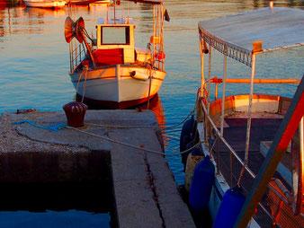 Boote im Abendlicht