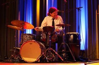 Schlagzeug, Perkussion und Gesang