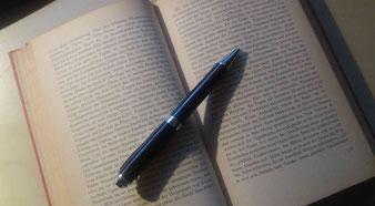 Egal, wie großartig ein Buch ist: Ohne Absätze macht es garantiert keinen Spaß.