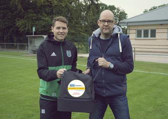 Teammanager Leibold mit Sponsor Daniel Neumann