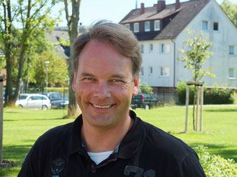 Herr Martinen (stellvertretender Schulleiter)