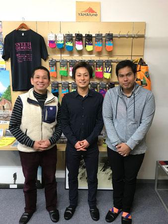 左から伊藤社長、桶谷、ランディーさん