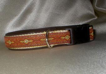Halsband, Hund, Klickverschluss, 2,5cm breit, Gurtband beige, Borte rot-gold