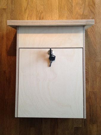 Holzbriefkasten