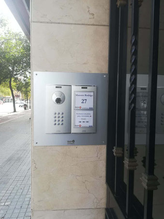 Placa Cityline con embellecedor