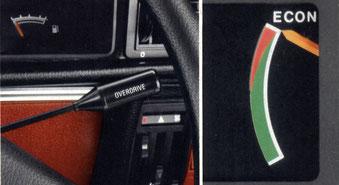 Links: Overdrive (mit Sportschaltung, in Verbindung mit 2.0-, 2.0 S- und 2.0 E-Motoren). Rechts: Econometer im Ascona.