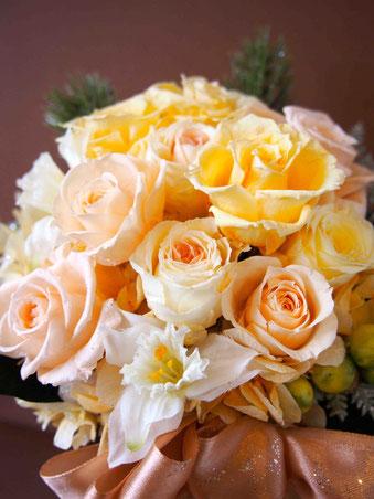 プリザーブドフラワーの黄色アレンジを結婚祝いギフトや電報としてご利用ください