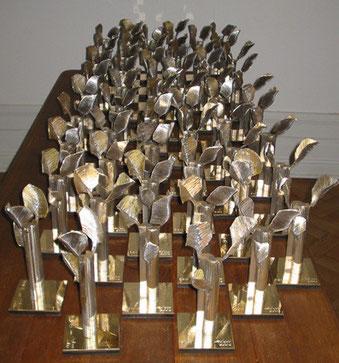 Z.T. Insgesamt würden 600 kleine Skulpturen angefertgt.Als Gastgeschenk für Seine Hoheit Prins Mohamed H.Al-Mady. Saudie Arabien