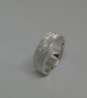 SILBERRING 6mm  65 Euro